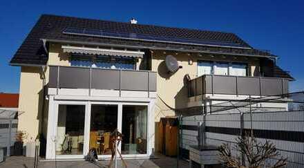 Neuwertige 4-Zimmer-Galerie-Wohnung mit Balkon und EBK in Klosterlechfeld