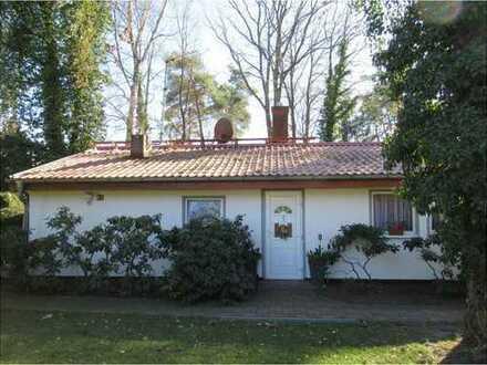 Provisionsfrei! Kleines Einfamilienhaus auf schönem Grundstück
