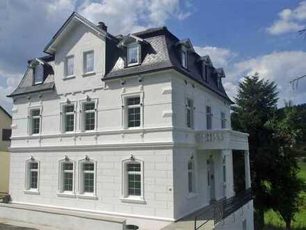 Engel & Völkers: 4-Zimmer-Eigentumswohnung in der Weißen Villa! *Provisionsfrei*