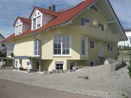 Großzügige 5-Zimmer-Wohnung mit Balkon in Satteldorf-Gröningen
