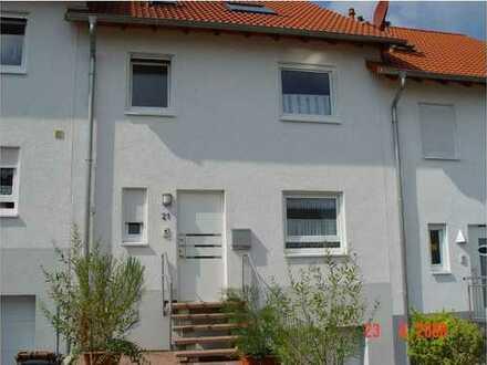 Gepflegtes 5-Zimmer-Reihenhaus in Mehlingen / Nice townhouse in Mehlingen
