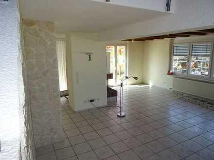 Wow!!! Leben Sie ein luxuriöses Leben auf zwei Etagen mit Terrasse, Sauna, Einbauküche und Kamin