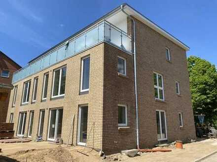 Erstbezug - KfW 40 Niedrig-Energie-Haus - Erdgeschosswohnung mit Terrasse in Neumünster Einfeld