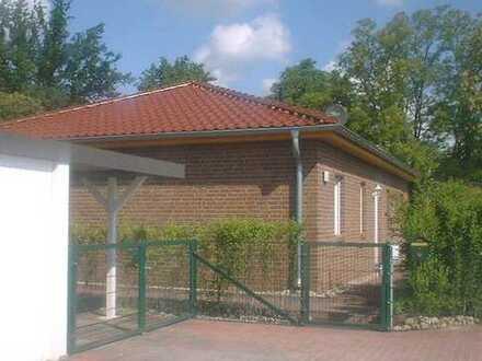 Vermietet! Wohnbungalow * Fussbodenheizung * Garage * Carport * Terrasse in ruhig grüner Orts