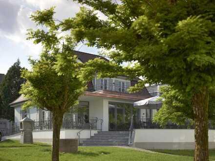 Komfortable 5-Zimmer-Wohnung mit 40 qm Dachterrasse