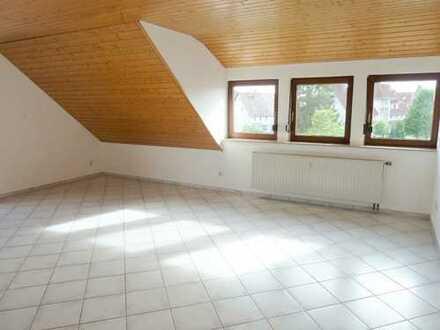 Tolle, geräumige 4 Zimmerwohnung mit sonnigem Balkon