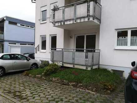 Stilvolle, gepflegte 2-Zimmer-Wohnung mit Balkon und EBK in Schriesheim