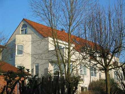 Gaiser- Der Oberursel Spezialist - Top 3 Zimmer-Maisonette / 2 Bäder / Dachterrasse / EBK /