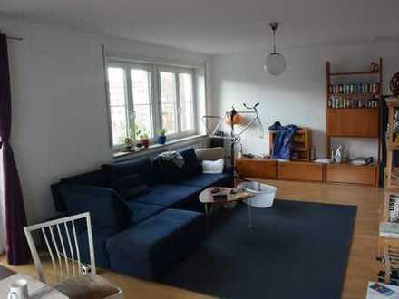 Zimmer in 2er WG, großes Wohnzimmer