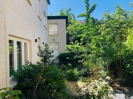 Bonn-Beuel - Wohnen im ca. 175 m² Lofthaus im Erstbezug, EBK, Parkett, Garten u. sep. Apartment