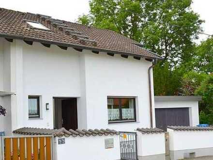 Ansprechende Doppelhaushälfte in Mühlhausen-Bergen mit guter Anbindung an die A8