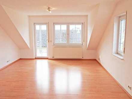 Schöne 3 Zimmer DG Wohnung in Weiler