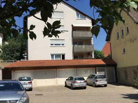Sehr gepflegte, großzügige 4,5-Zimmer-Eigentumswohnung mit Balkon und Garage