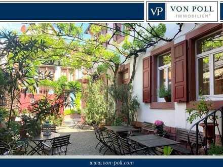 Romantisches Hotel mit Restaurant, Ballsaal, idyllischem Innenhof und bezauberndem Garten