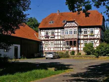 Engel & Völkers: *Reserviert* Anwesen mit Entwicklungspotenzial!