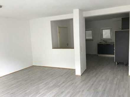 Helle geräumige 2-Zimmer Wohnung in Hechingen