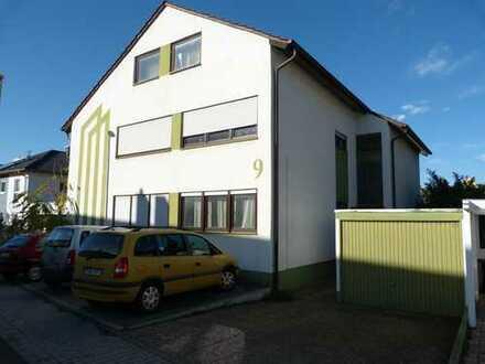126 qm Wohnung 1. OG in Zweifamilienhaus mit Garten/Balkon/Keller