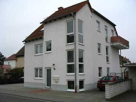 Von Privat: Schöne Dachwohnung in Mutterstadt