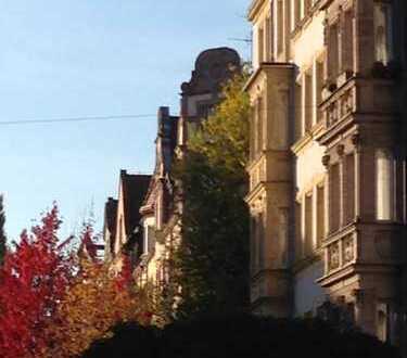 Exklusive, vollständig renovierte 5-Zimmer-Wohnung mit Balkonen und Einbauküche in Nürnberg