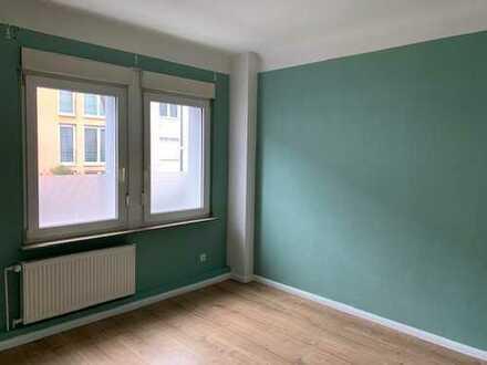 Zwei-Zimmer-Wohnung, Erdgeschoss, mit Balkon in Müngersdorf, Köln