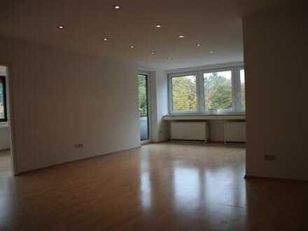 Sehr helle großzügige Wohnung im Herzen von Oberhaching direkt am Kirchplatz