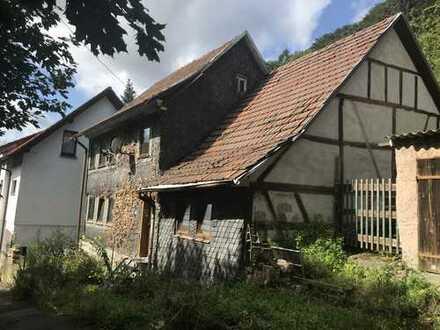 Zweigeschossiges Fachwerkhaus mit Anbau aus dem Jahre 1880