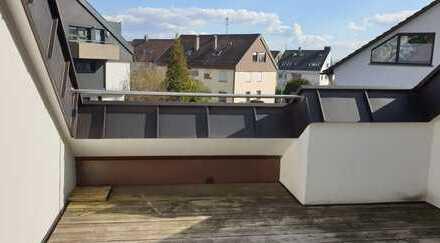 schöne, modernisierte 2-Zimmer-Dachgeschosswohnung mit innenliegendem Balkon und EBK in Ostfildern