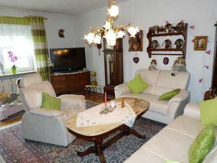 Gepflegte 4 Zimmer-Eigentumswohnung in Hallstadt