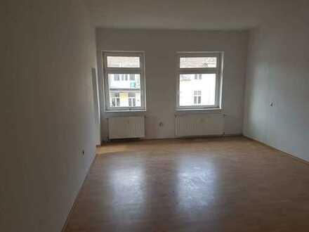 Helle und gemütliche 3-Zimmer-Wohnung mitten der Stadt