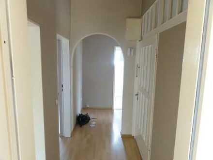 Helle Wohnung ca. 70qm ,4 Zimmer, Küche, Diele, Bad