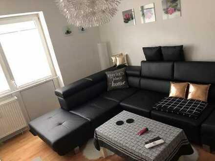 Gepflegte 2-Zimmer-Wohnung im Hochparterre mit eigener Terrasse, Waschmaschine & Geschirrspüler