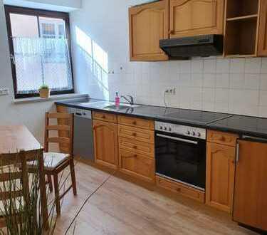 Vollständig renovierte 4-Zimmer-Wohnung mit Balkon und EBK in Lauingen