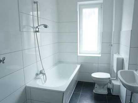 Modern nehm ich gern! Top modernisierte 3-Zimmer-Erdgeschosswohnung sucht Sie!