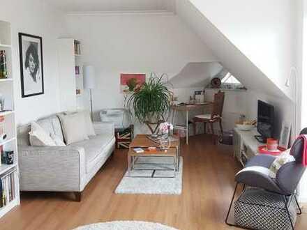 Helle, gut ausgestattete, helle 2 - Zimmer – Wohnung (65 m²) mit großem Balkon