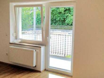 Gepflegte 2-Zimmer-Wohnung mit Balkon und Einbauküche in Amberg-Ammersricht