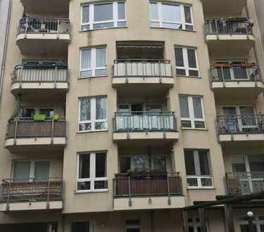 Berlin - Weißensee: Dort bieten wir 2 x 2 Zimmer Eigentumswohnungen zum Verkauf an.