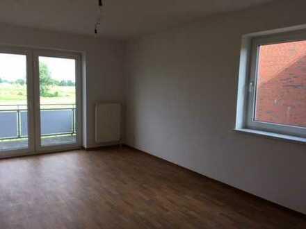 Schöne geräumige 3 Raum Wohnung in grüner Randlage zu vermieten!