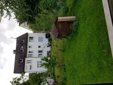 Helles 16qm großes Zimmer in 4er WG (Stuttgart Süd), möbliert mit Garten