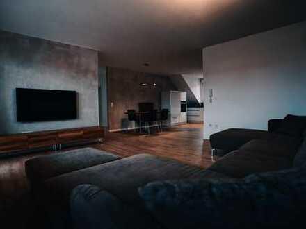 Stylisches Wohnen in ruhiger Lage! Frisch renovierte und teilmöblierte 3 Zimmer Wohnung zu vermieten
