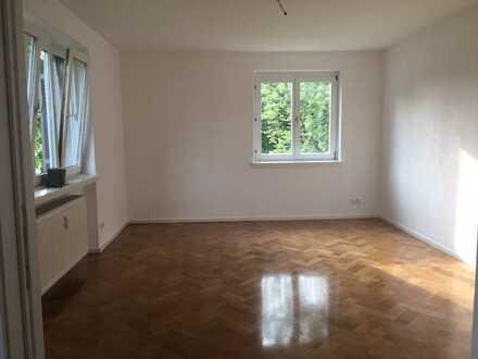 Helle 4 Zimmer Komfort-Wohnung, renovierter Altbau mit Seeblick und Balkon