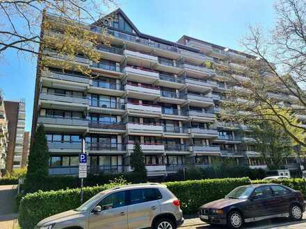 Gepflegte 4-Raum-Wohnung mit 2 Balkonen und EBK in Köln-Weiden