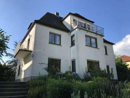 4-Zimmer-Wohnung in einem Herrenhaus, Haßfurt, eingerichtete Küche, Gartennutzung