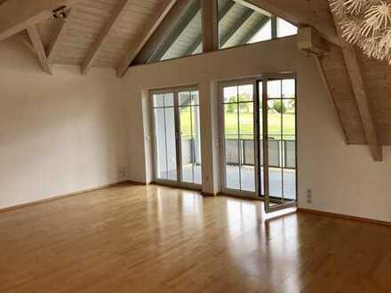 Wunderschöne Dachgeschoss-Wohnung in ruhiger Lage mit Blick ins Grüne