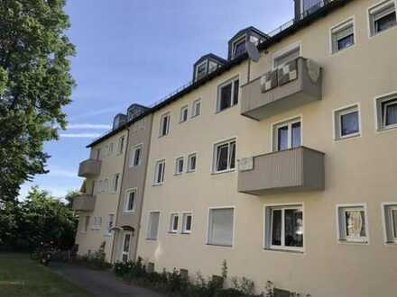 Exklusive, sanierte 3-Zimmer-Wohnung mit Einbauküche in Neuburg