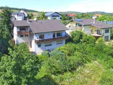 Schönes Einfamilienhaus mit Garage und einem sagenhaften Blick in die Natur von Östringen-Tiefenbach
