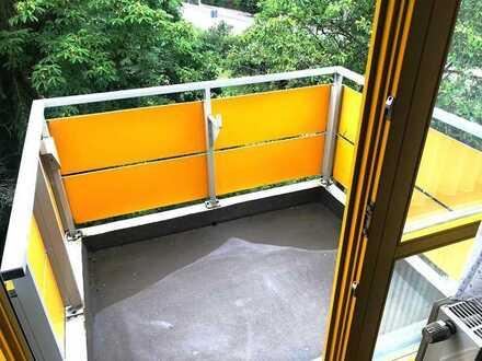 N-Katzwang - Sehr schöne, top renovierete großz..3-Zimmer DG-Whg. (2.OG.), ohne Lift, Blk. und EBK