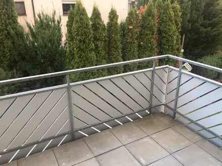 Schön geschnittene 2-Zimmer-Eigentumswohnung mit Balkon und TG-Stellplatz in ruhiger Wohnlage von Bi