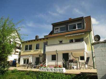 Freistehendes Einfamilienhaus mit großer Terrasse und Garten in ruhiger Lage von Alt-Godesberg!!!