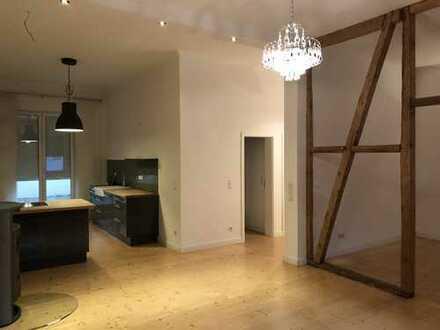 Haus in Haus Wohnung (sep. Eingang) - Großzügige 3-Zi.-Whg.-Stadtmitte-mit Terrasse in einem Altbau