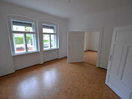 NUR Einzelperson!! Helle charmante 2,5-Zi.-Jugendstilwhg. mit Wohnküche in Rgbg/inn.Osten